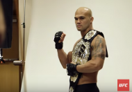 Robbie Lawler (photo via UFC)