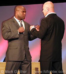Gary Goodridge (left) vs. Mike Benardo