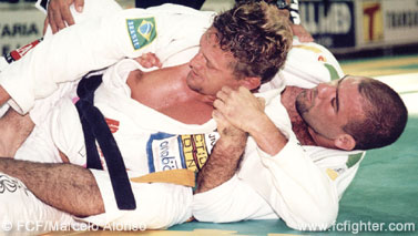 Fabio in action against Ricardo Americano in Mundial