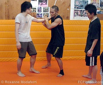 Rumina Sato teaching at Cross Point Kichijouji