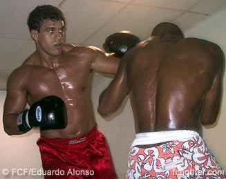 Vitor Belfort training with Fernando Terere
