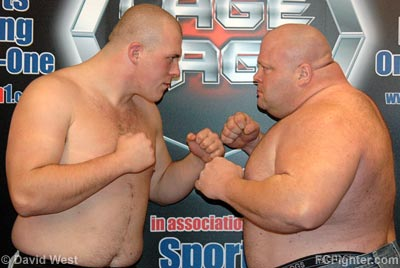 Cage Rage 19: Rob Broughton (left) vs. Eric 'Butterbean' Esch - Photo by David West