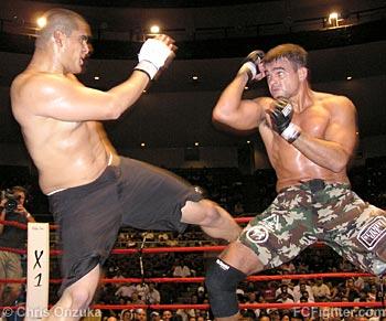 Fernando Gonzalez kicking Sidney Silva