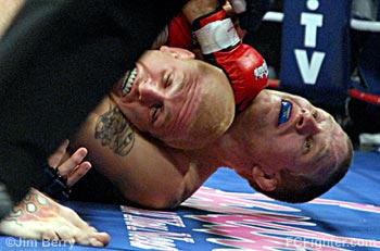 IFL (Nov. 2, 2006): Matt Horwich choking Mike Pyle - Photo by Jim Berry