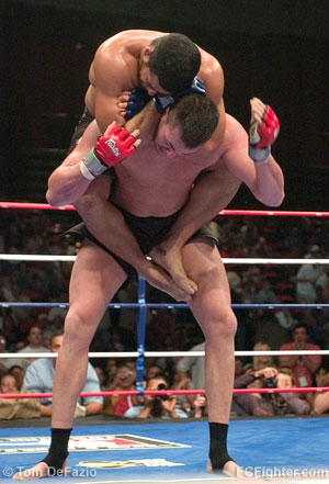 Daniel Gracie choking out Wes Sims