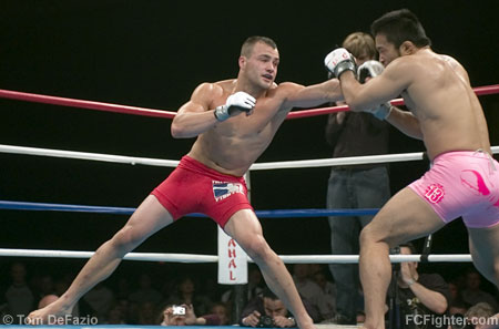 Alvarez (left) vs. Hanazawa