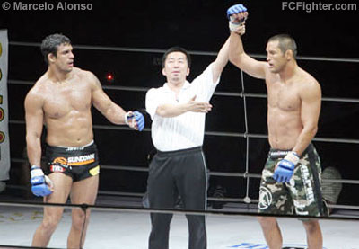 Pride FC Real Deal: Dan Henderson defeats Vitor Belfort - Photo by Marcelo Alonso