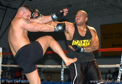 Carlos Moreno smashes Justin Villella