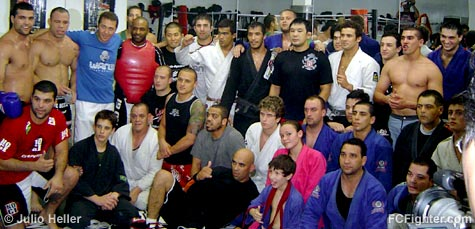 Kazushi Sakuraba visits the Chute Boxe Academy