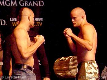 Chuck Liddell (left) vs. Jeremy Horn