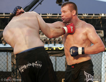WEC 22: Alex Stiebling (right) vs. Jason Guida - Photo by Daisy Rosas