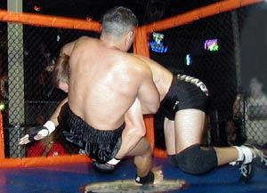 Warren Donley takes down Alfredo Hernandez