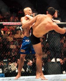 Suloev kicks Chuck Liddell at UFC 35