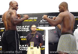 Mark Weir (left) vs. David Loiseau